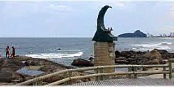 Matinhos-PR-Memorial aos Surfistas-Foto:www.guiageo-parana.com