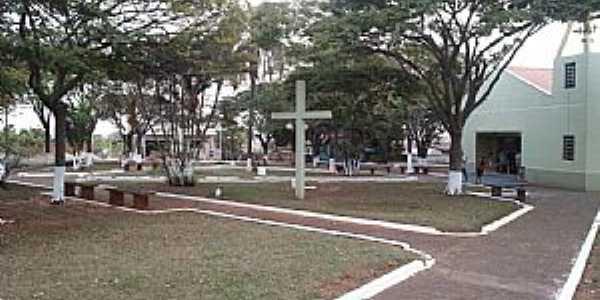 Mendeslândia-PR-Praça da Matriz-Foto:mmoraes