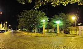 Ibirapitanga - Vista noturna da Praça João Victor em Ibirapitanga-BA-Foto:Beto Santana