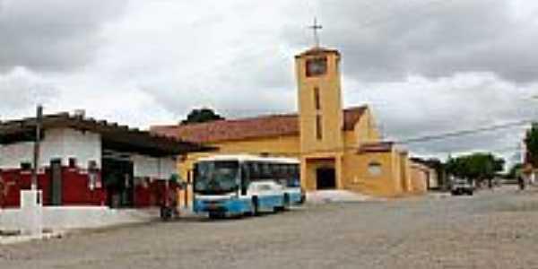 Igreja Matriz em Ibirapuã-BA-Foto:hjobrasil