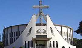 Nova Londrina - Matriz de São Pio X-Foto:Vicente A. Queiroz