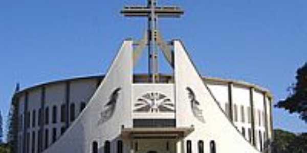 Matriz de São Pio X-Foto:Vicente A. Queiroz