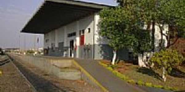 A estação em 2004