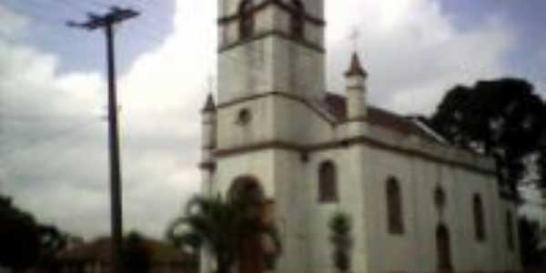 Igreja do local., Por Letícia Gaio