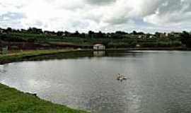 Novo Itacolomi - Lago em Novo Itacolomi-Foto:Poteropski