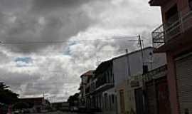Ibitira - Rodovia BA-030 cortando a cidade de Ibitira-BA-Foto:Dimas Justo