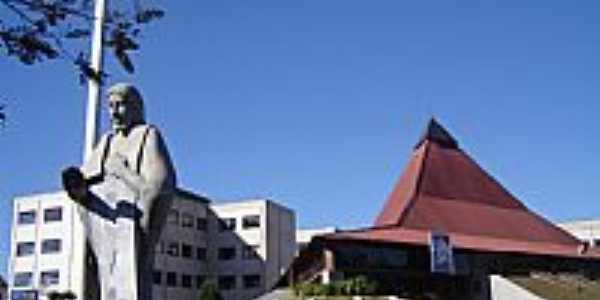 Catedral do Senhor Bom Jesus em Palmas-PR-Foto:Vicente A. Queiroz