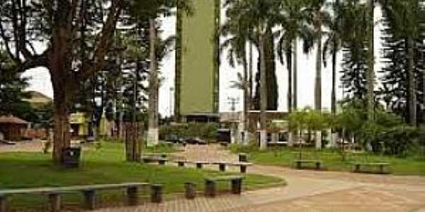 Palmital-PR-Praça da Matriz-Foto:adrianolongo.orgfree.com