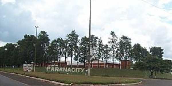 Trevo da cidade de Paranacity PR por Lineu Santos
