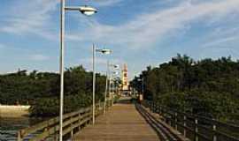 Paranaguá - Ponte e ao fundo a Igreja de Paranaguá-PR-Foto:André Bonacin
