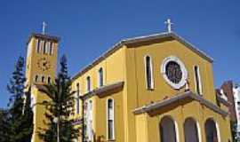 Pato Branco - Igreja Matriz de S.Pedro Apóstolo foto Vicente A. Queiroz