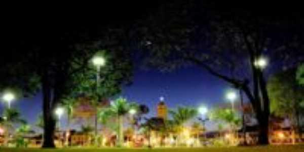 Praça Central, Por Edson