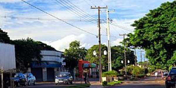 Avenida Principal em Perobal PR - Por Ricardo Mercadante