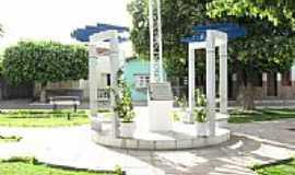 Ibotirama - Monumento na pra�a de Ibotirama-Foto:vinicius7.7