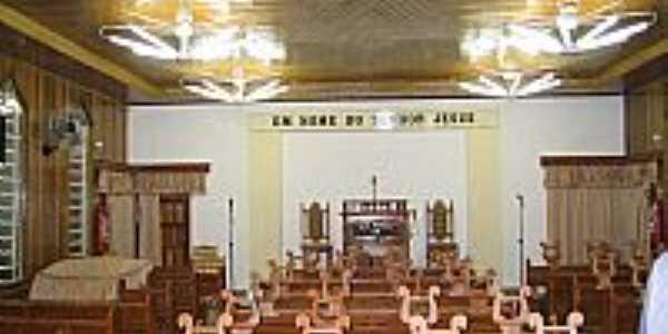 Interior da Igreja da Congregação Cristã do Brasil em Pinhais-Foto:Congregação Cristã.NET