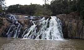 Pinhalão - Salto Cassiano em Pinhalão-Foto:valdir merege