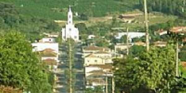 Vista da Igreja Católica de Pinhalão por Anderson Julia de S...