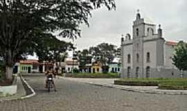 Ichu - Praça e Igreja em Ichu-Foto:Doug Tods