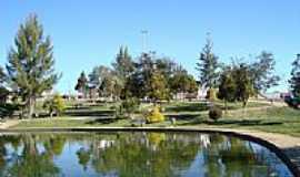 Pinhão - Lago na Praça Darci Brolini em Pinhão-Foto:Antonio Alves.