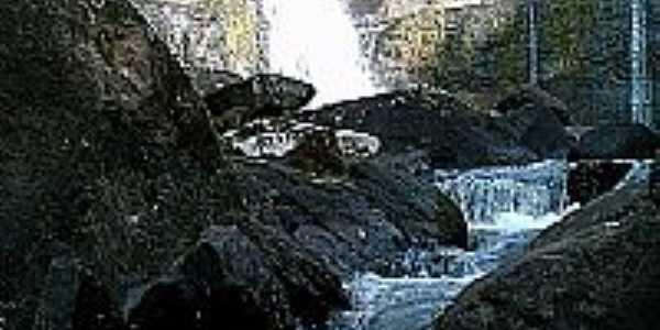 Cachoeira do Zoraldo em Pinh�o-Foto:Antonio Alves