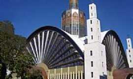 Ponta Grossa - Catedral de Sant�Ana em Ponta Grossa-Foto:Vicente A. Queiroz