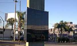 Ponta Grossa - Monumento em homenagem à Colônia Japonesa em Ponta Grossa-Foto:Loivinho A.M.França