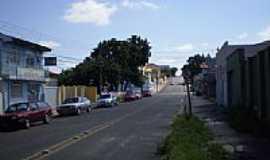 Ponta Grossa - Rua Jo�o Cecy Filho em Ponta Grossa-Foto:Rafael Klimek