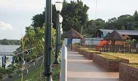 Porto Camargo - Porto Camargo-PR-Praça na beira do Rio Paraná-Foto:ANTONIO CARLOS CAVALHEIRO