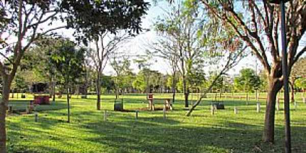 Porto Mendes-PR-Parque de Lazer Annita Wanderer-Foto:Ricardo Mercadante