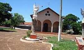 Quinzópolis - Igreja em Quinzópolis-Foto:Ldsa