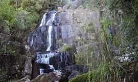 Reserva - Reserva-PR-Salto no Rio Imbú-Foto:Gerson Gomes