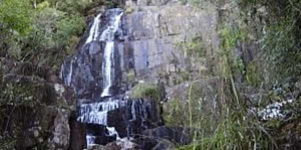 Reserva-PR-Salto no Rio Imbú-Foto:Gerson Gomes