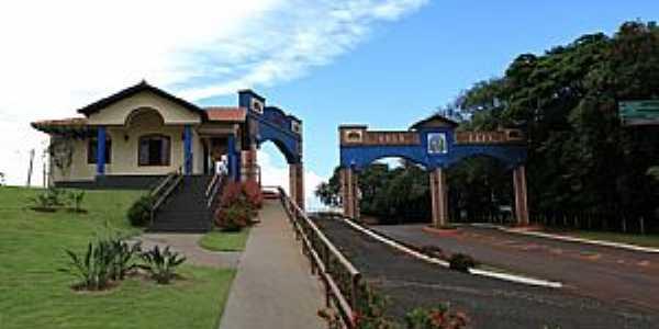 Centro de Informa��es Tur�sticas e Portal de Entrada
