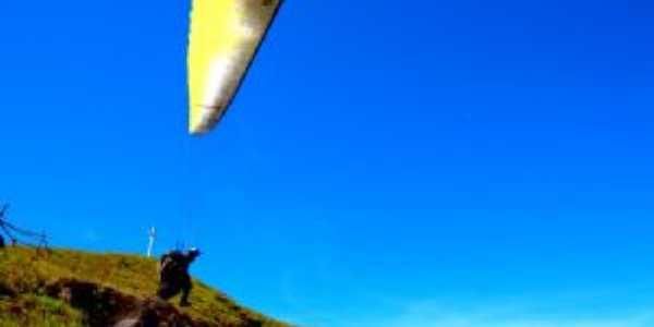 decolagem de parapente da serra do ouro - iguaí  - ba, Por Nelo Ferrari