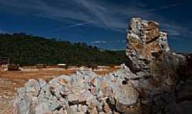 Rio Branco do Sul - Pedra de Calcário-Foto:fotografo3d