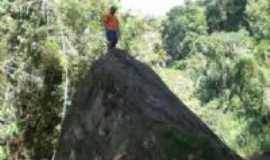 Rosário do Ivaí - Pedra grande no meio do Rio Campineiro, Por ILTON SHIGUEMI KURODA