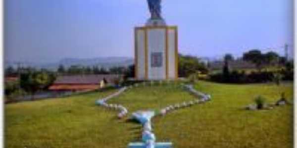 Monumento � Padroeira, Por Leandro Bermudes