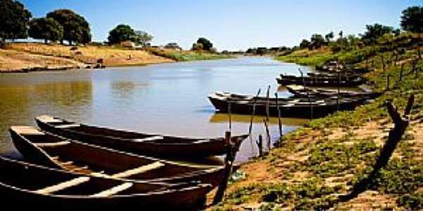 Iguira-BA-Barcos de pesca no rio-Foto:Edsonnogueira