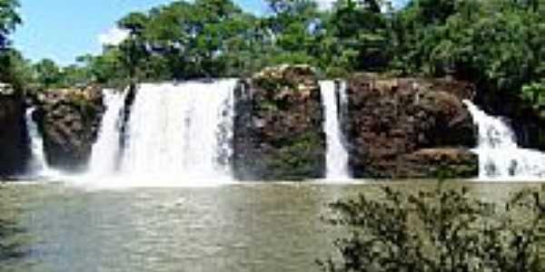 Cachoeira do Rio Cotegipe em Salto do Lontra-PR-Foto:MARCOS CESCONETTO DE…