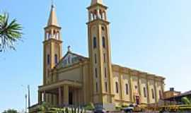 Santa Am�lia - Igreja Matriz-Foto:eduardotkm