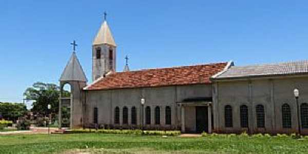 Igreja Matriz de Santa Mônica - PR