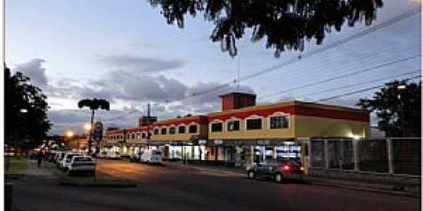 Santa Quitéria-PR-Comércio na Av. Pres.Arthur da Silva Bernardes-Foto:Reginaldo Levinski