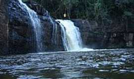Santo Antônio do Paraíso - Cachoeira por Marcelo Castro