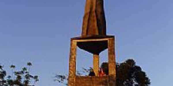 Imagem de Santo Antonio no alto do morro-Foto:NilvaMaria