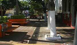 São João do Caiuá - São João do Caiuá-PR-Praça central-Foto:saojoaocaiua.blogspot.