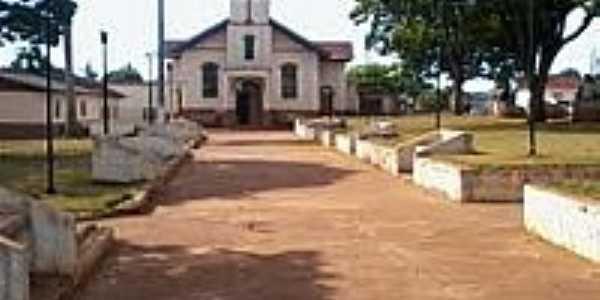 Praça e Igreja em São João do Pinhal-Foto:Jorge D Santana