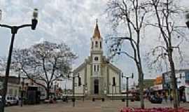 São José dos Pinhais - Praça e Igreja Matriz de São José em São José dos Pinhais-Foto:edson rosa