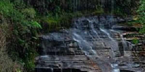 Bela cachoeira em S�o Luiz do Purun�-PR-Foto:fotografo3d