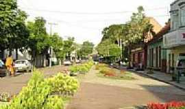 São Mateus do Sul - Avenida central em São Mateus do Sul-Foto:diogockmayer