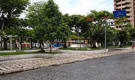 Ipiaú - Ipiaú-BA-Praça central-Foto:Ruy Reis